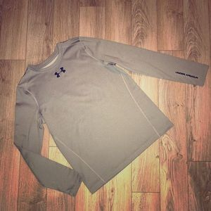 🏃 YXL Under Armour Long Sleeve fitted warm